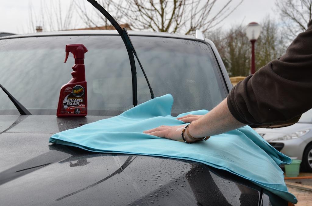 laver sa voiture comme un pro. Black Bedroom Furniture Sets. Home Design Ideas