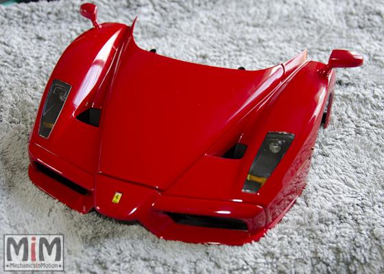 Montage Ferrari Enzo 1:10 Altaya - étape 9c