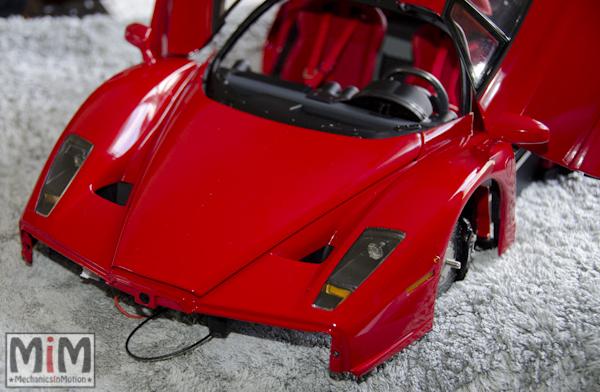 Montage Ferrari Enzo 1:10 Altaya - étape 9d