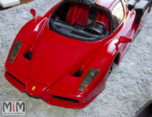 Montage Ferrari Enzo 1:10 Altaya - étape 9e