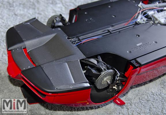 Montage Ferrari Enzo 1:10 Altaya - étape 9h