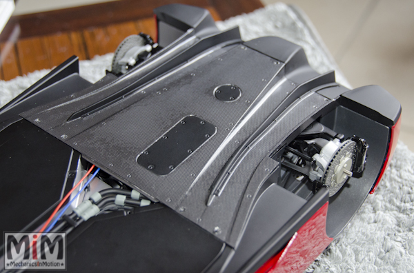 Montage Ferrari Enzo 1:10 Altaya - étape 9i