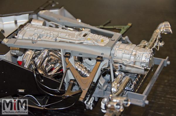 Montage Ferrari Enzo 1:10 Altaya - étape 6b