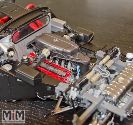 Montage Ferrari Enzo 1:10 Altaya - étape 6c