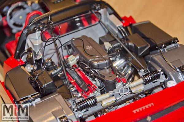 Montage Ferrari Enzo 1:10 Altaya - étape 7c