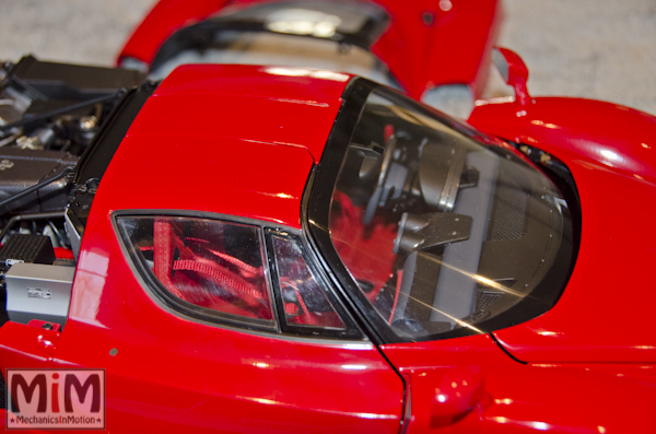 Montage Ferrari Enzo 1:10 Altaya - étape 10a