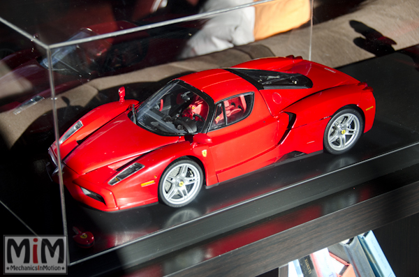 Montage Ferrari Enzo 1:10 Altaya - final1