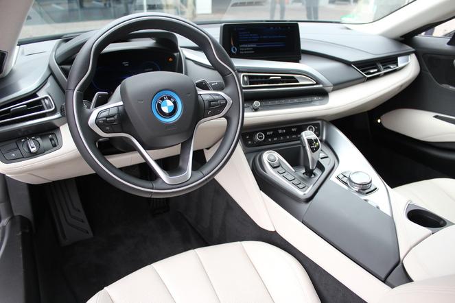 BMW-i8-intérieur