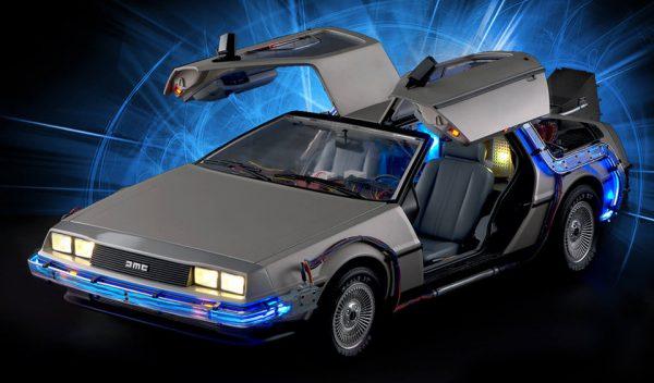 DeLorean de Retour vers le Futur au 1/8è par Eaglemoss (terminé)