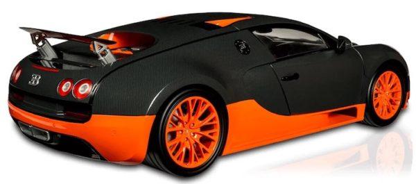 Bugatti Veyron 16.4 Super Sport 1/8è par Altaya.